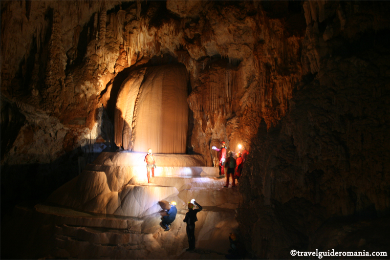 travel guide romania - Sura Mare Cave