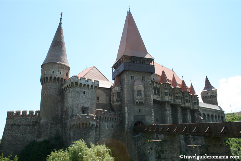 Travel guide Romania - Huniazilor Castle