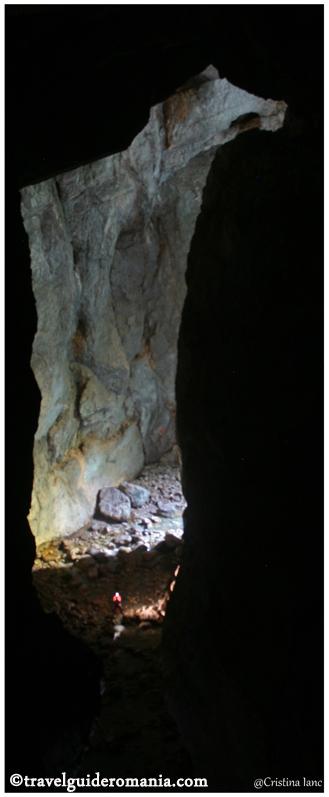 travel guide romania - Cetatile Ponorului cave