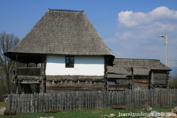 Travel Guide Romania-wooden construction