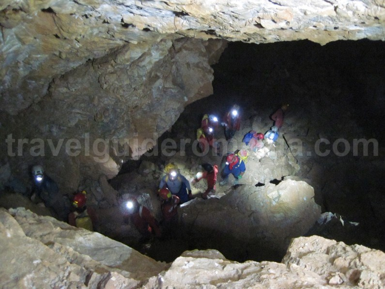 Humpleu Cave - caving in Apuseni mountains