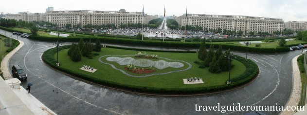 Unirii Square seen from balcony oh the Parliament building