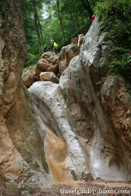 tourism in Romania - Dry Valley canyon