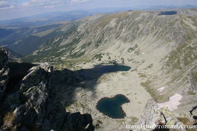 Lung lake, Rosiile lake and Mandra lake seen from Parang main ridge