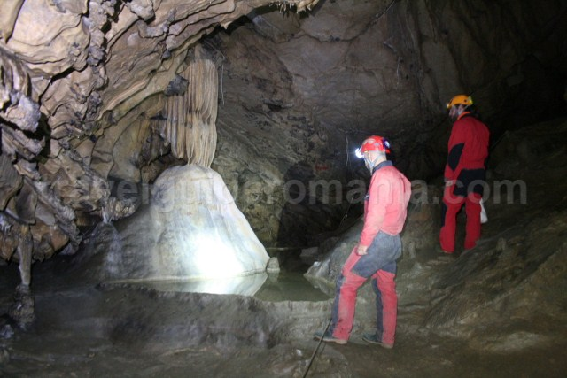 Caving in Romania - Comarnic cave - ninei mountains