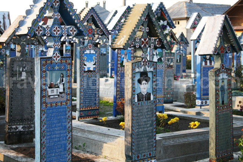 Travelling in Romania - The Merry Cemetery