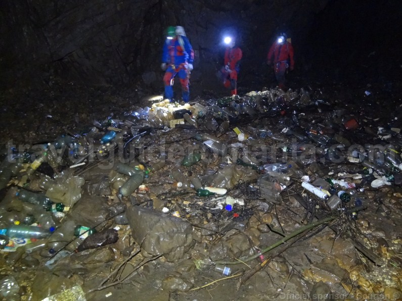 Environment pollution in Campeneasca cave