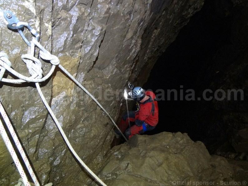 Exploration Campeneasca Cave - Romania