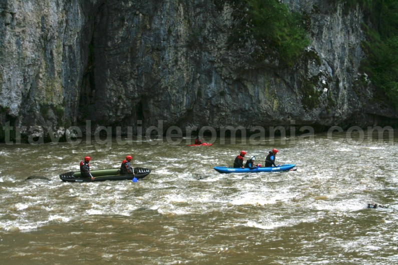 Rafting at Vadul Crisului Canyon