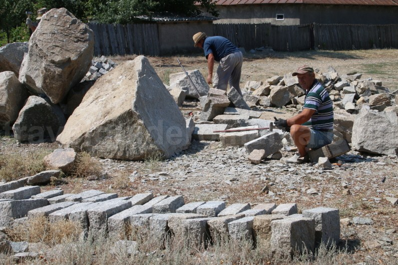 Stonemasons in Greci village - Dobrogea