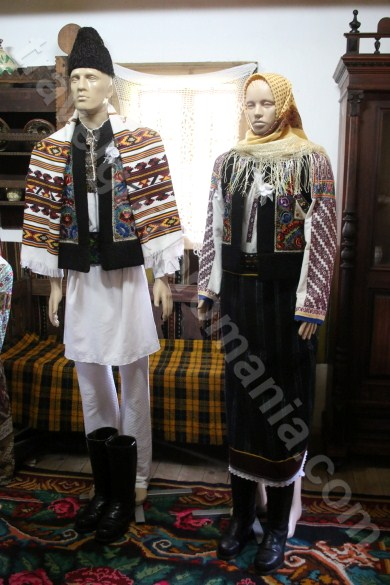 Traditional wedding in village life - Bukovina - Modavia