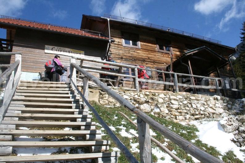 Curmatura cottage - Piatra Craiului Mountains
