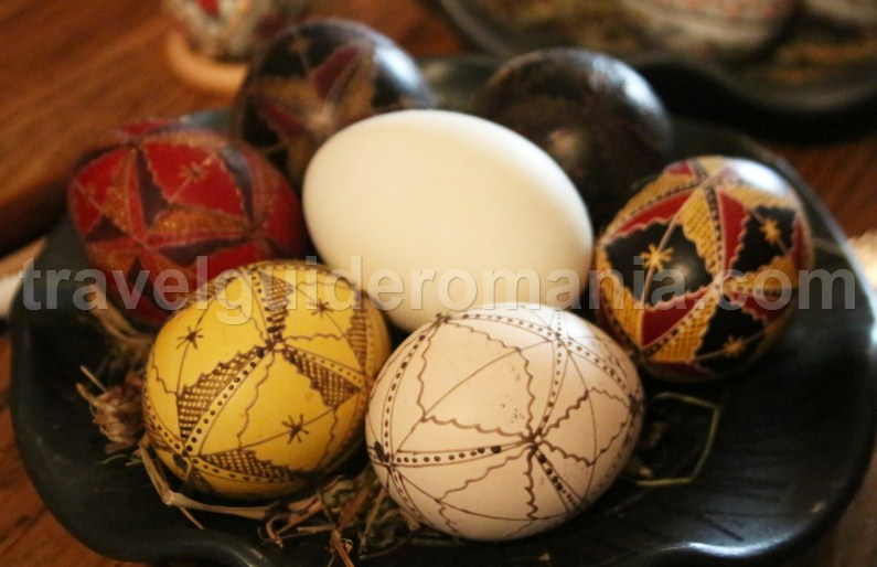 Painted Easter eggs, a folkloric tradition in Romania