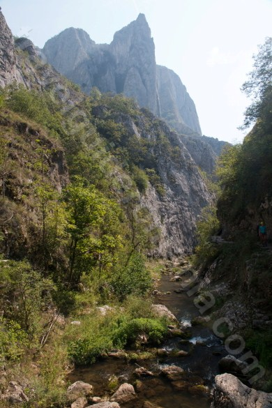 Travel Romania - Turzii gorge - Trascau Mountains