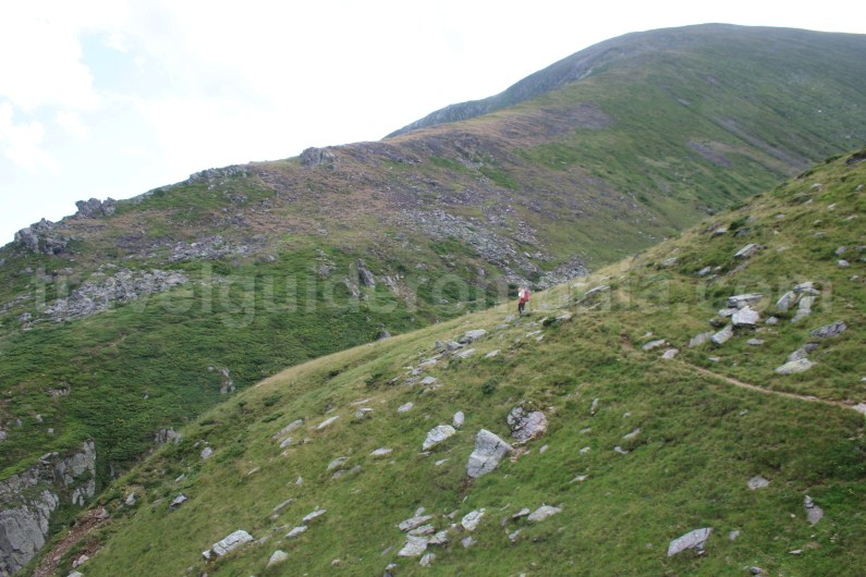 Hiking to Suru saddle - Crossing the Ridge of Fagaras Mountains