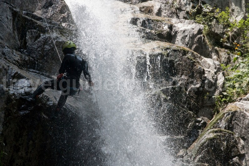 Things to see in Jiului Valley - Marii Canyon and waterfall