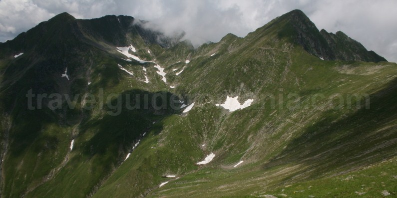 Treks in Fagaras Mountains - Romania