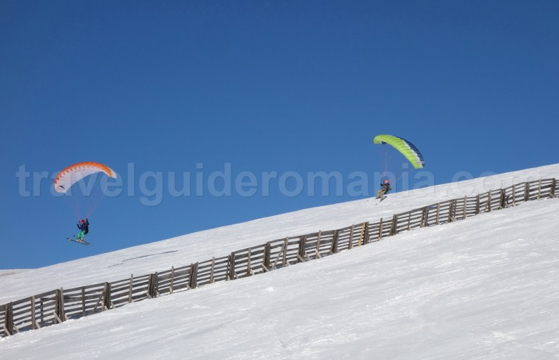 Kite schiing in Sinaia - Bucegi Mountains - Romania