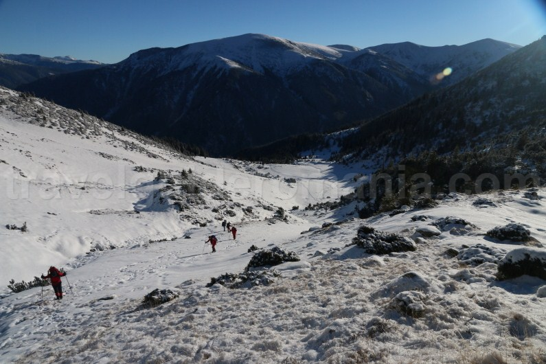 Snowshoeing in Godeanu mountains - Travel Guide Romania