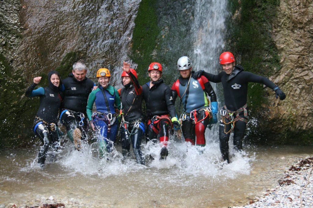 travelguideromania team
