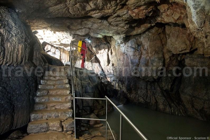 Show caves in Romania - Vadul Crisului Cave - Apuseni Mountains