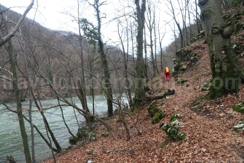 Trail to Vadul Crisului show cave - Romania