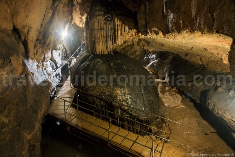 Vacation packages in Romania - tour of the show caves