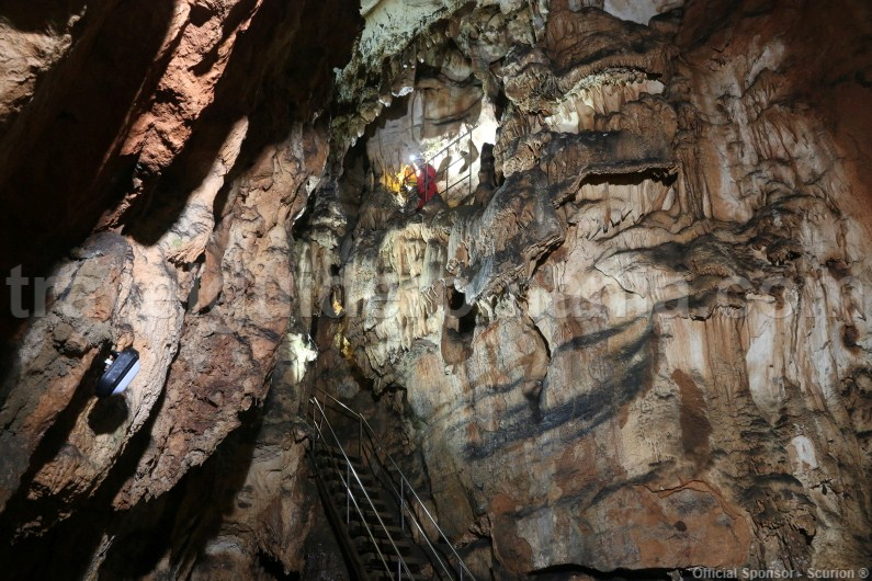 Vadul Crisului cave - Travel to Romania