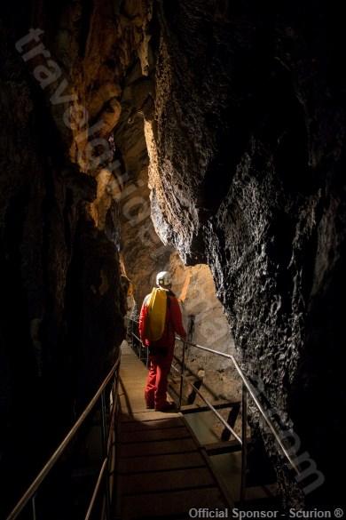 Vadul Crisului show cave - Travel Guide Romania