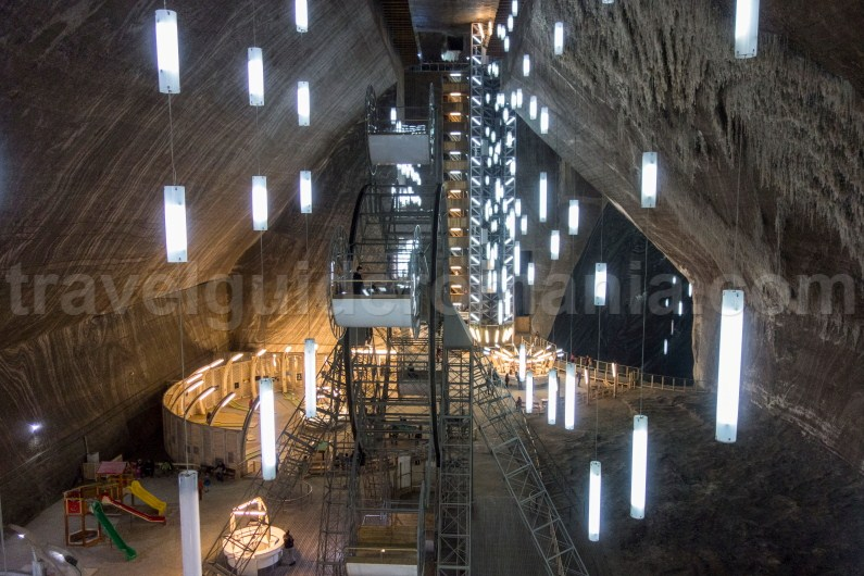 Travel Guide Transylvania - Turda Salt Mine
