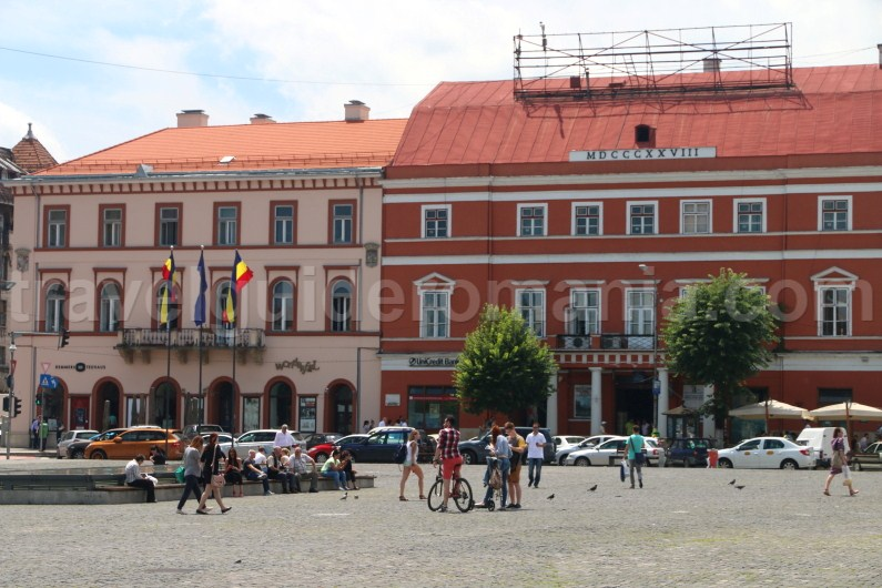 Places to visit around Cluj Napoca - Union square