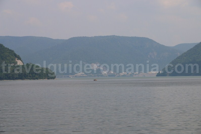 danube-river-near-orsova-city-romania