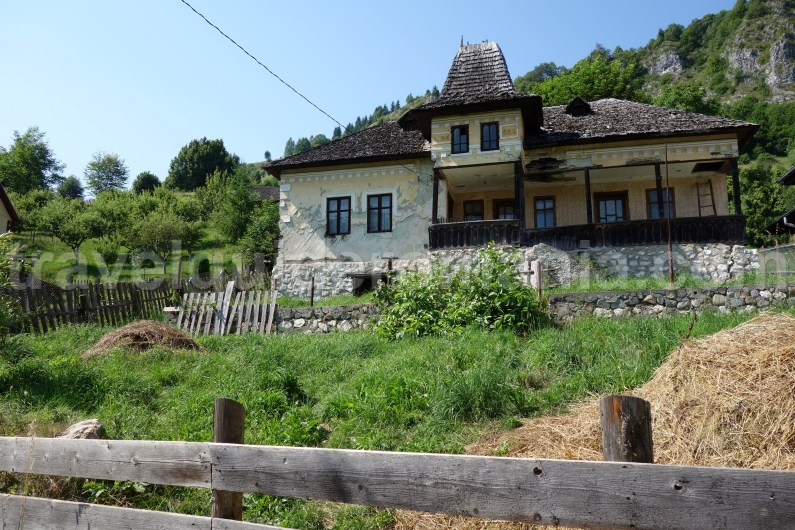 Podu Dambovitei village - Travel Guide Romania