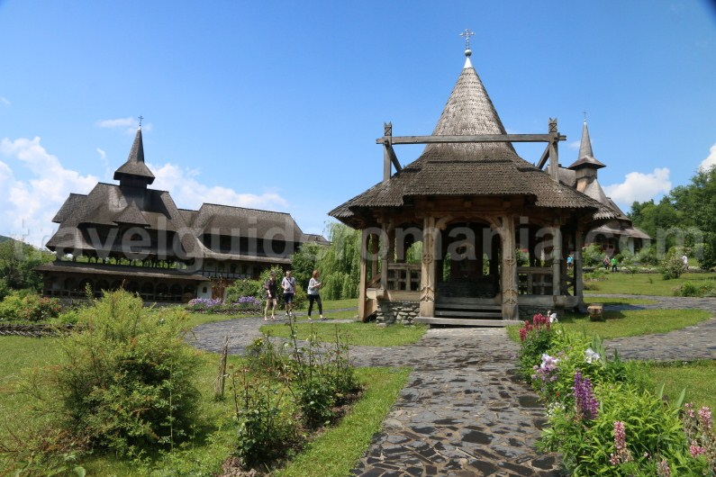 guided-tours-in-maramures-barsana-monastery