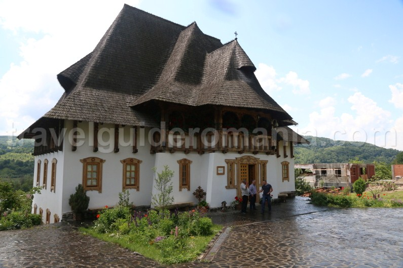 private-tours-in-maramures-barsana-monastery
