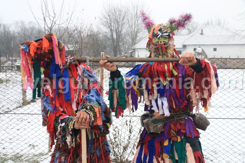 traditions and customs in romania Cultural events and customs in romania dragobete is an old romanian  tradition that celebrates love and its guardian, dragobete, which is identified with .