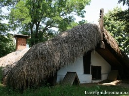 tratitional romanian architecture in Lesser Wallachia (Oltenia) folk area