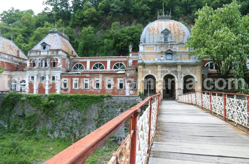 Beautiful places in Romania - Herculane baths and spa