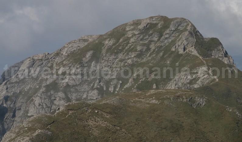 Active trekking tour to Omu peak in Bucegi Mountains - Romania