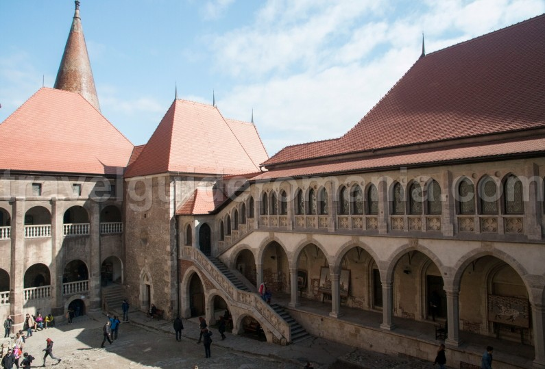 Travel Guide Romania Corvin castle Hunedoara