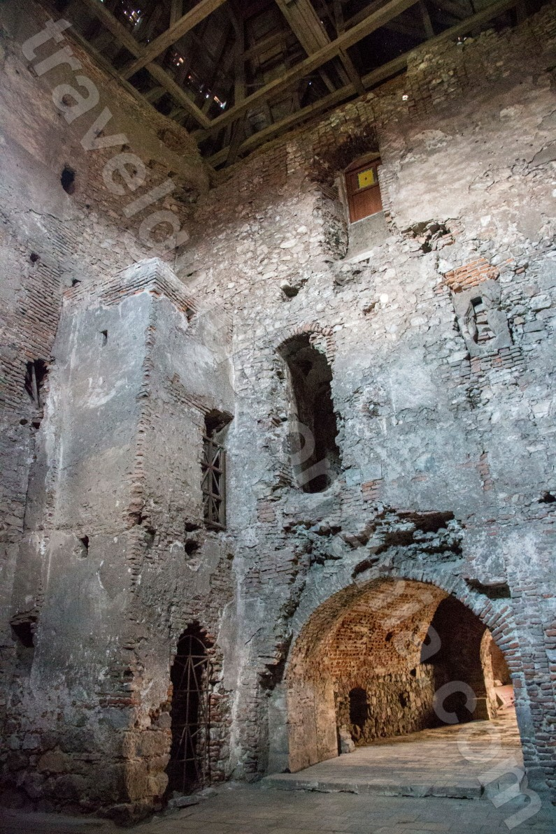 corvin huniazilor castle from hunedoara travel guide