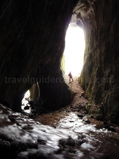Moanei Cave