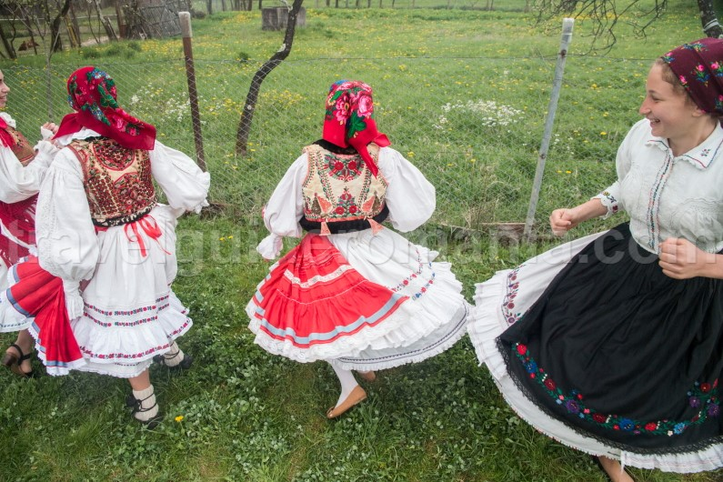 Romanian traditions and folklore
