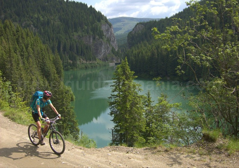 bolboci lake bucegi mountains mtb romania