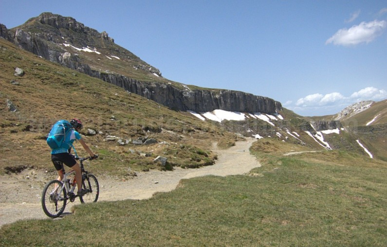 cerdac pass omu peak cycling bucegi mountains mtb romania