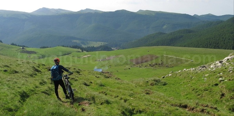 strunga pass bucegi mountains mtb romania