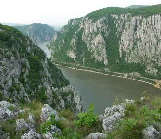 Danube Gorges The Natural Park Porţile de Fier iron gates cazanele dunarii