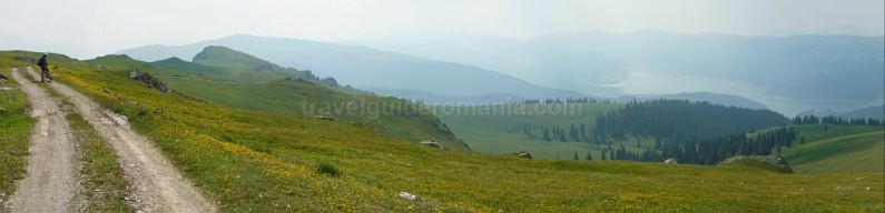 latoritei mountains Fratosteanu limestone strategic road mountain-biking mtb Vidra Lake