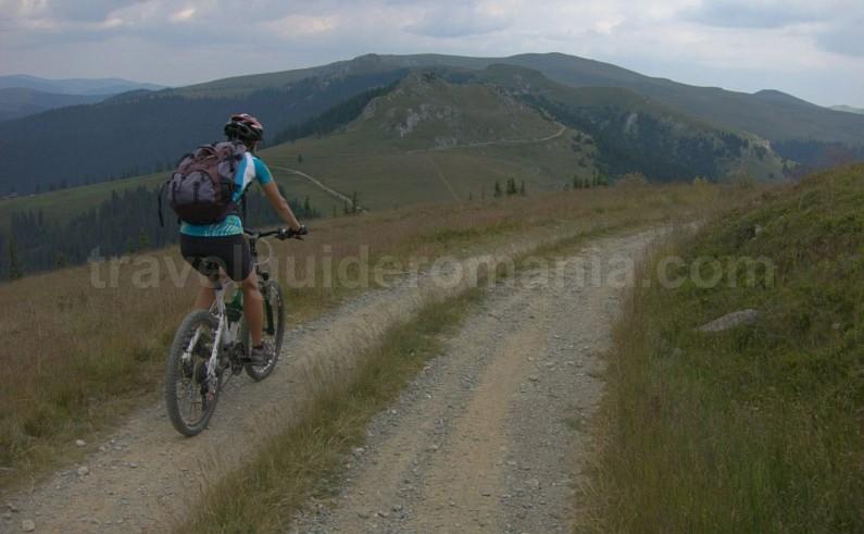 latoritei mountains strategic road mountain-biking mtb pietrile pass