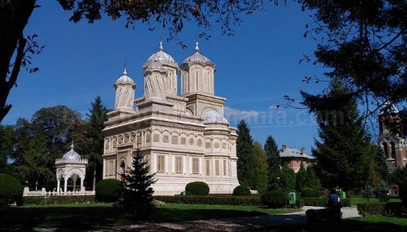 the Monastery of curtea de arges transfagarasan